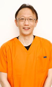 東新宿歯科 院長・歯科医師:野崎雄三